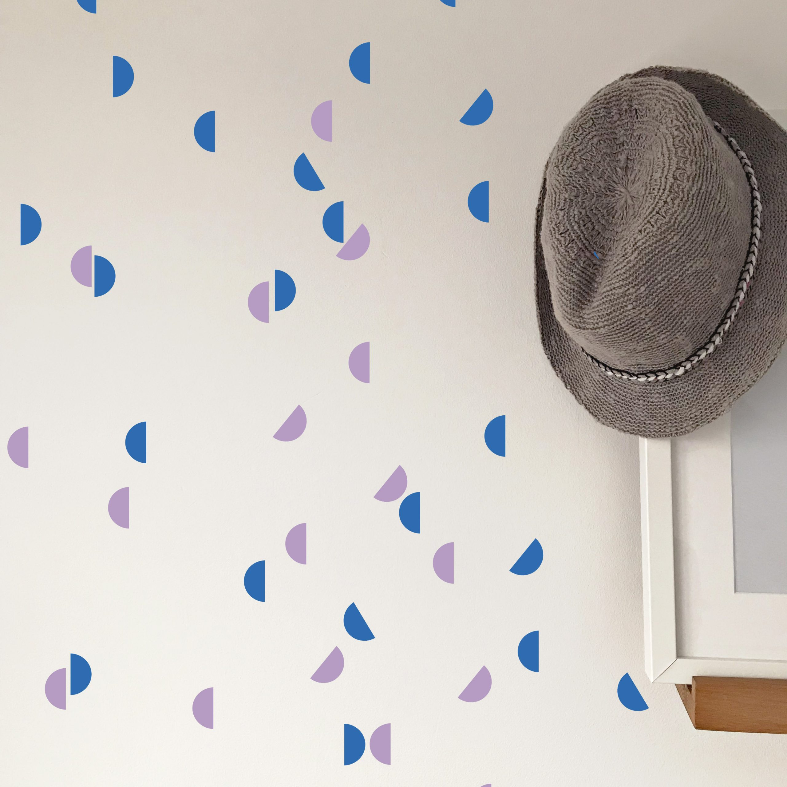 Hat Wall Azure blue and lilac